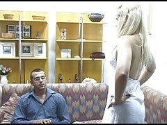 Orgia em um belo local porno muito magra loira