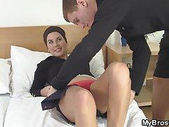 Trabalho o cara se masturbando vídeos pornográficos
