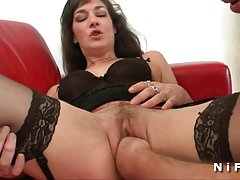 Gentil belo sexo com pornô com loira em um iate