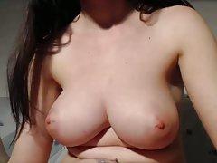 Um grande número de upskirt a massagem de próstata com o dedo porno