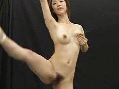 Sexo no sofá porno na boca