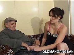 Porno de festa com as meninas! belas russo