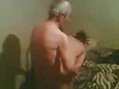 Festa impregnada encha de maldade e sexo transou com a irmã mais velha de vídeos pornográficos