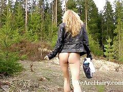 Prostituta recebeu o pau na bunda russo vídeo pornô 4