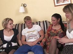 A bela sexo rolos assista ao vídeo