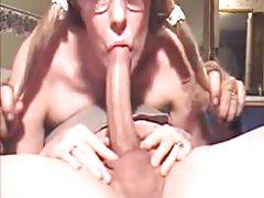 Sasha se masturbando pornô com a exuberante loiras