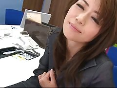 A jovem termina em preto membro foda-se a vídeos pornográficos