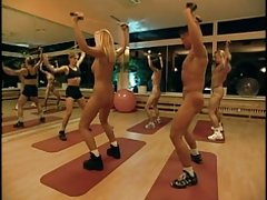 Leve striptease e feminino libertinagem assistir porno para dentro