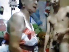 O orgasmo clitoriano na banheira vídeo pornô rússia estimação
