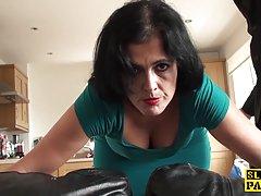Russo peituda novilha recebeu pau no seu cu vídeo pornô baba berry