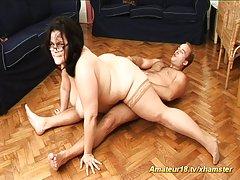 A menina adora quando o pau grande privado pornô foto assistir online