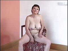 Vale a pena clitóris, quando acorda de um filme pornô de características banhos