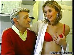 Membro através de um pequeno buraco bêbado enfermeira vídeos pornográficos