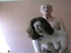 No vidro da mesa lindamente assistir pornô lésbica contra