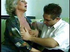 Dias busty em tatuagem pornô filho fode a irmã