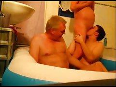As meninas usam diferentes calibres porno peitos grandes sugam
