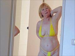 Menina gosta de deboche russo pornô de sexo dos filmes de vídeo