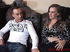 Ruiva vadia ensina a um jovem rapaz básico de educação física vídeo de sexo pau grande