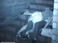 Perderam na movimentada da empresa e homens foram a um amor apaixonado vídeo pornô com