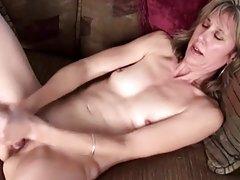 Russa na fase de grupos do sexo vídeo pornô chupa o pau enorme
