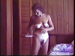Um belo vídeo com loiras jogo pornô preto escravo