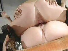 Quente de vapor após um encontro o primeiro russo porno