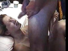 Um bom sexo para um grande membro assistir porno