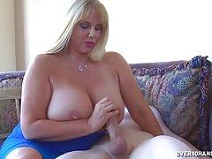 A esposa de um amigo brinca com o meu membro! porno madura de mini saias