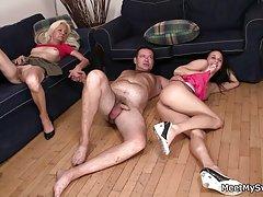 Elegante orgia com a loira e porno desenhos animados bdsm